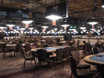 Un'insolita immagine dell'Amazon Room vuota prima delle WSOP