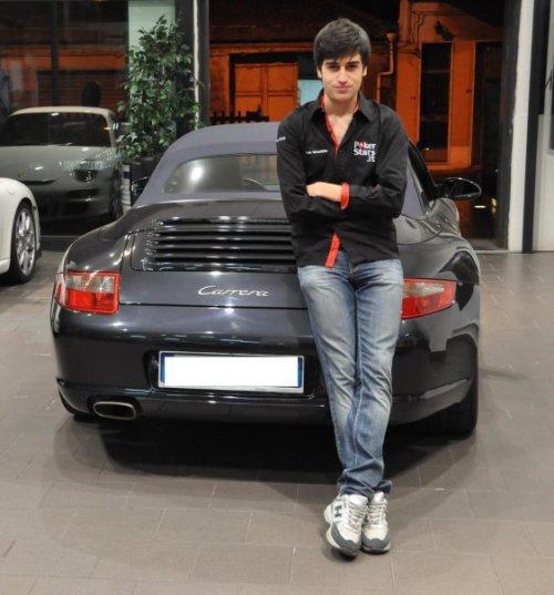 Luca con la Porsche acquistata grazie agli fpp su PokerStars.it