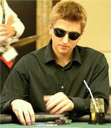 """Tony """"Bond18"""" Dunst è uno degli istruttori di PokerSavvy"""