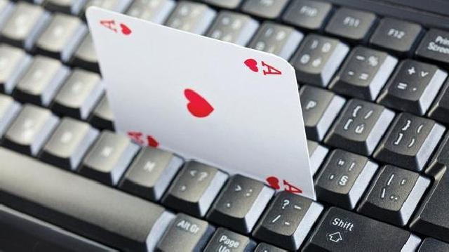 poker-online-tasse