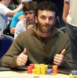 Sergio al tavolo dell'EPT Grand Final 2009, dove chiuse 16°