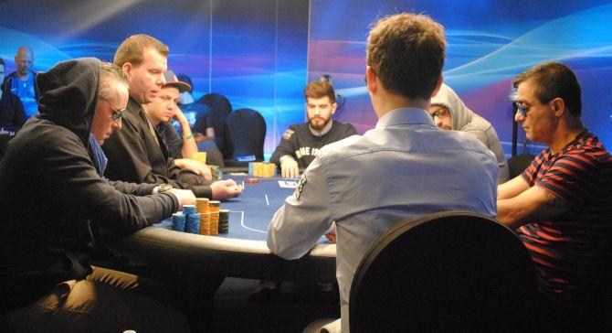 Poker malta live
