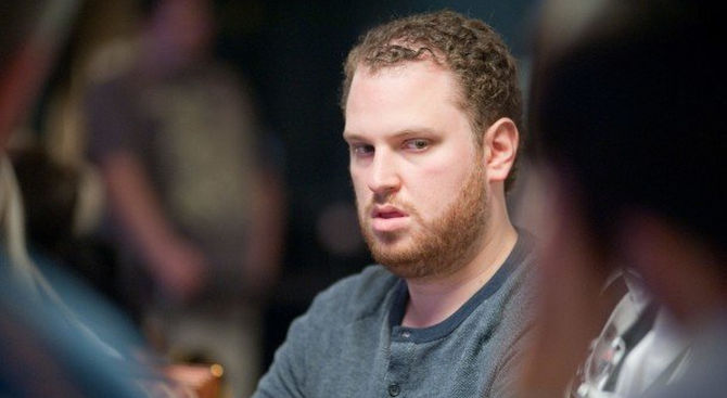 Scott Seiver, chipleader a fine day 1