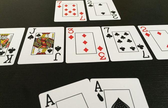 Edgewater casino poker bad beat