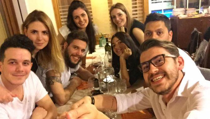 Christian Nuvola con gli amici di sempre Luca Stevanato, Nicola Cappellesso e Italo Modena, e le rispettive compagne
