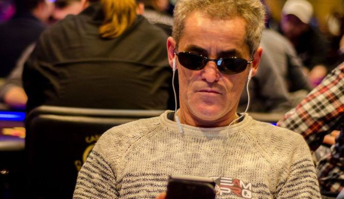 Giannino Salvatore con la nuova patch (foto Campione Poker Team)