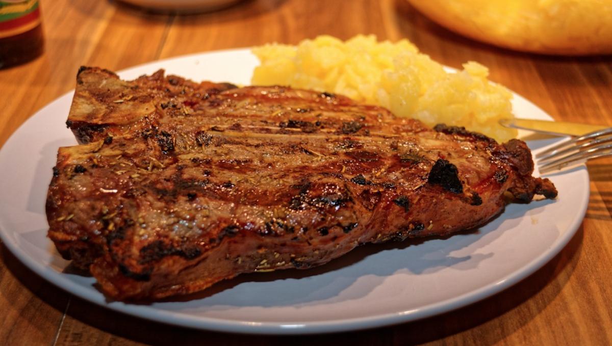 La carne fu indigesta per Ivey